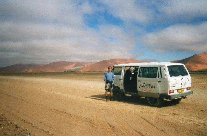 En Namibia, pensando en los regalos que iba a comprar