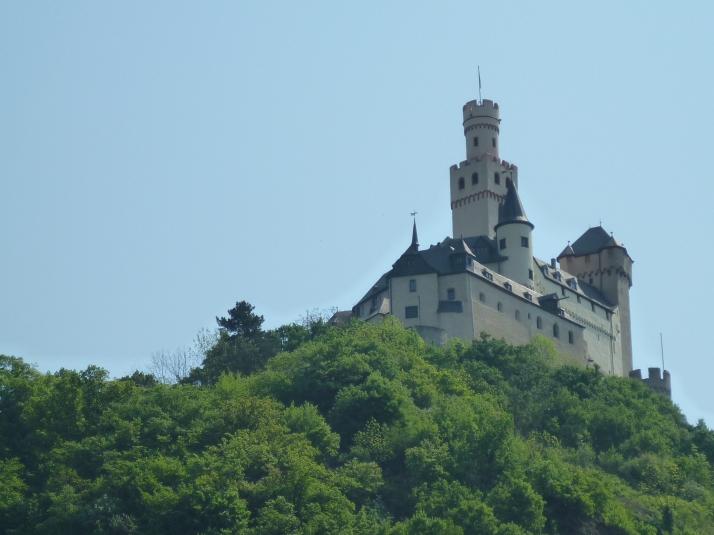 El castillo de Marksburg visto desde Braubach