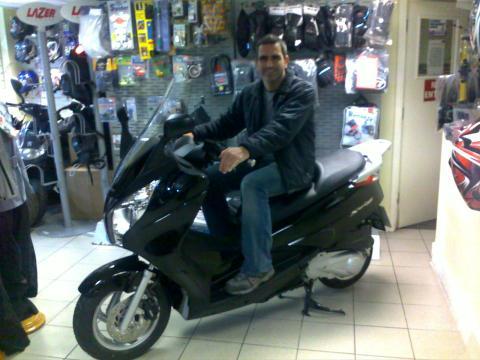 Feliz con mi nueva moto