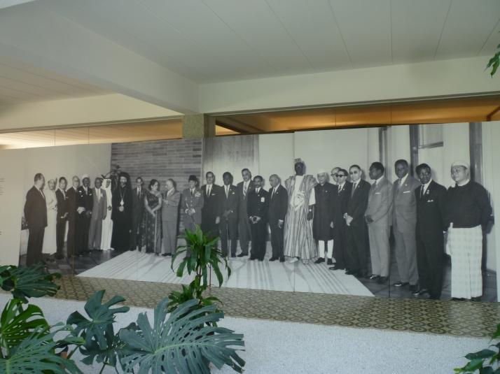 Foto mural con líderes de los países no alineados