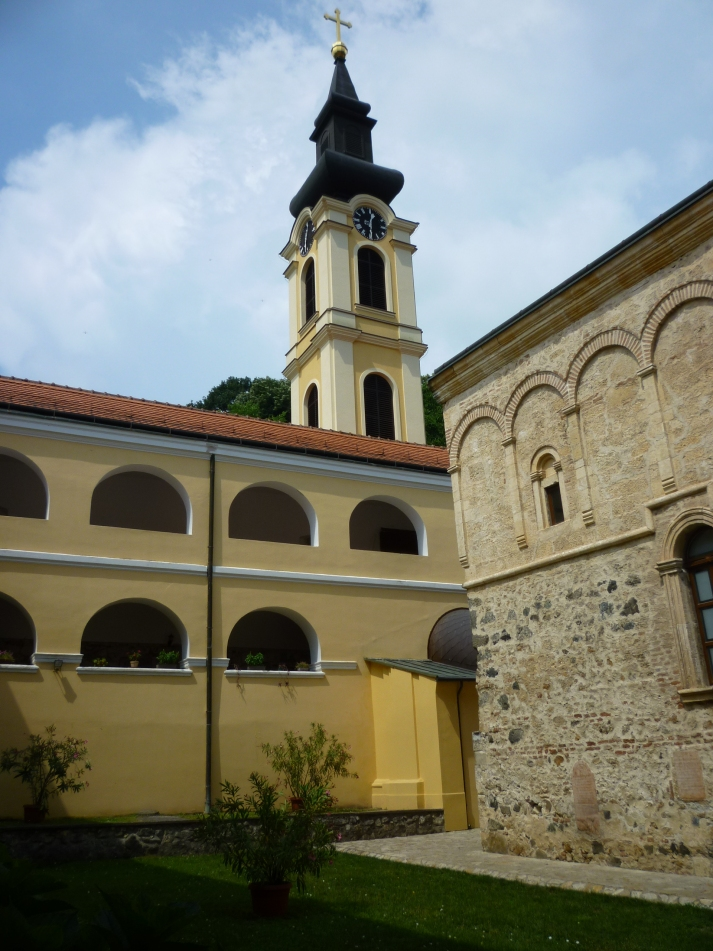 El monasterio de Nuevo Hopobo