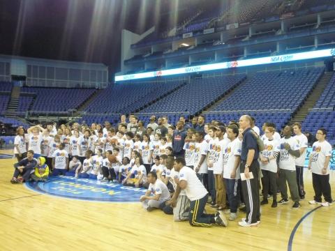 Foto de familia de NBA Cares