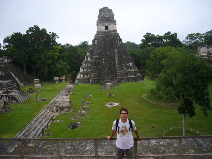 La majestuosa Gran Plaza  con el Templo I al fondo