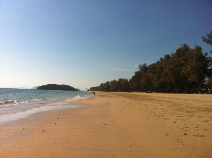 La playa junto al Sheraton Krabi
