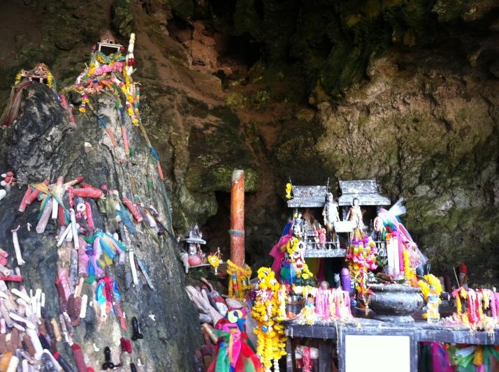 El altar en Princess Cave