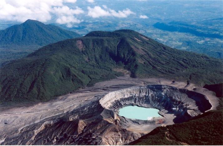 Vista aérea del Cráter Principal. Foto de Bill Holmes en Flickr