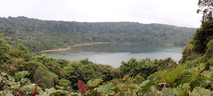 Laguna Botos. Foto de Laszlo Bolgar en Flickr