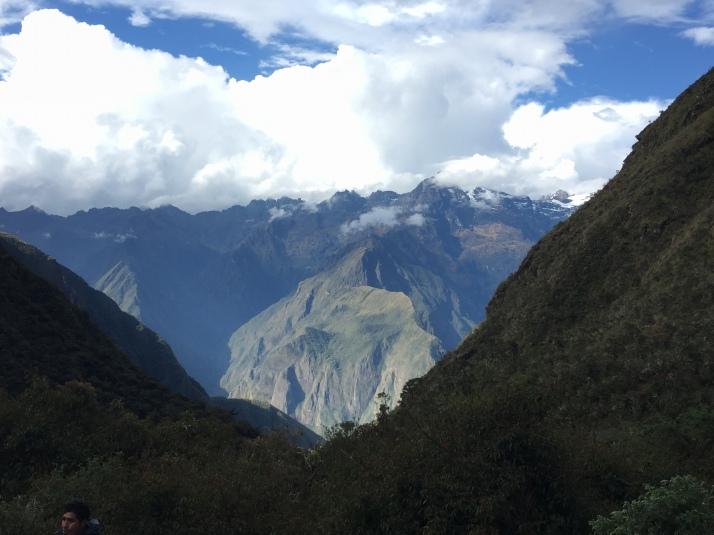 Las increibles vistas desde el campamento en Pacamayo