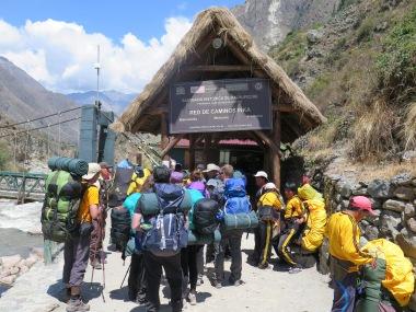 Caseta de control para acceder al Camino Inca