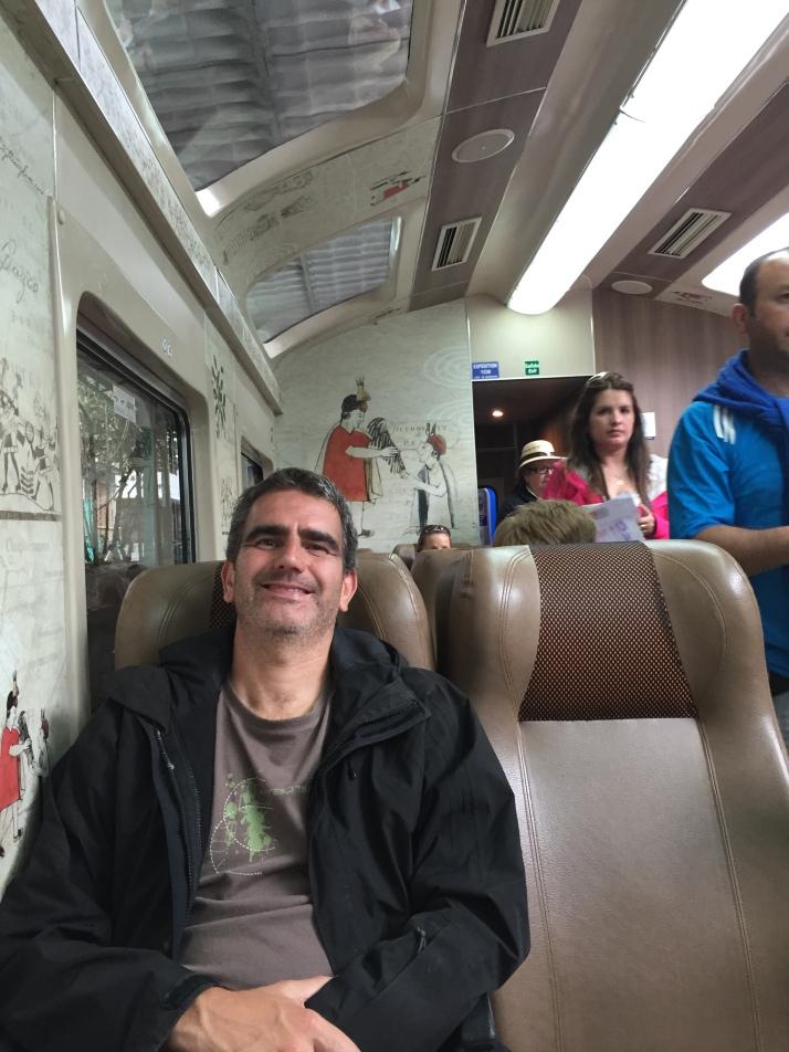 Merecido descanso en el tren